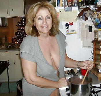 geile alte Frau sucht Sexkontakte