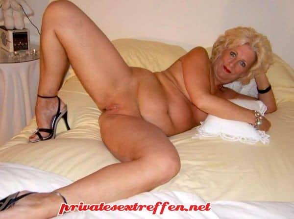 Hairy nylon porn